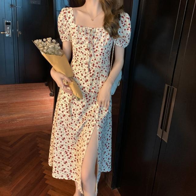 【Dorri】繫帶方領泡泡袖滿版印花開衩裙襬洋裝M-L(共三色)