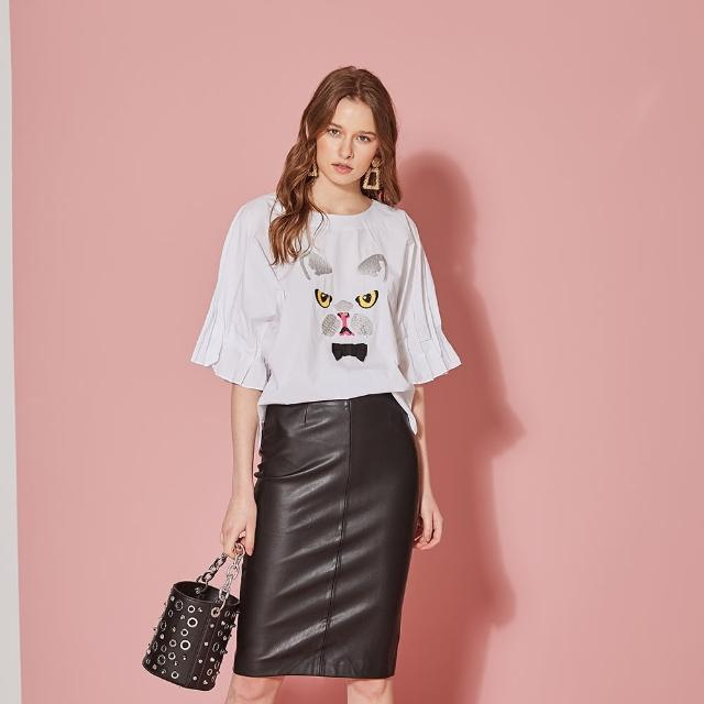【ICHE 衣哲】設計款立體抓摺袖貓刺繡造型上衣-時尚白