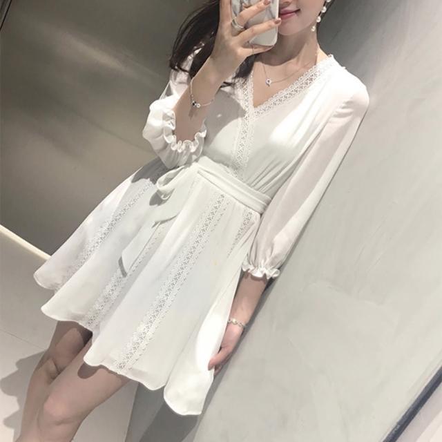 【BBHONEY】甜美綁帶顯瘦鏤空蕾絲拼接連身裙洋裝(網美熱搜款)