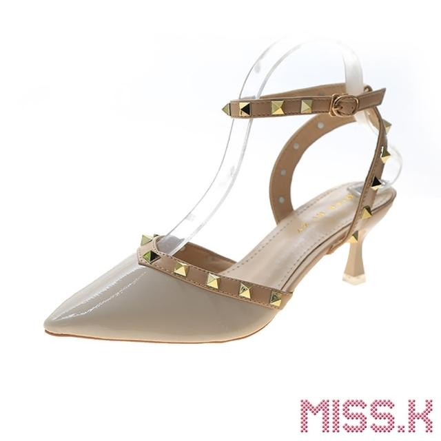 【MISS.K】尖頭V口時尚鉚釘繞帶造型高跟涼鞋(米)