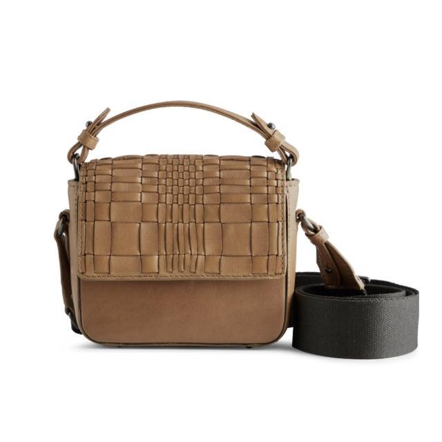 【MARKBERG】Adora 丹麥手工牛皮潮流編織寬帶小手提包 斜背包(編織焦糖奶茶)