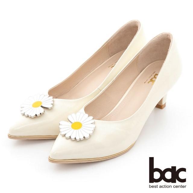 【bac】時髦尖頭小雛菊裝飾漆皮中跟鞋(米白)