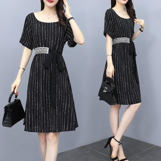 【KVOLL】氣質黑直條紋時尚收腰洋裝L-4XL