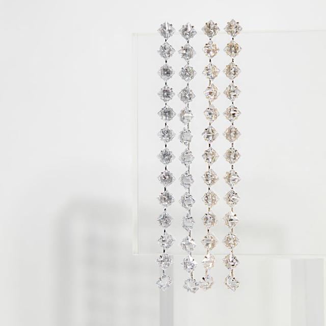 【ZANZAN 冉冉】抗敏銀針-簡約玲形水鑽長鍊耳環(抗敏耳環)