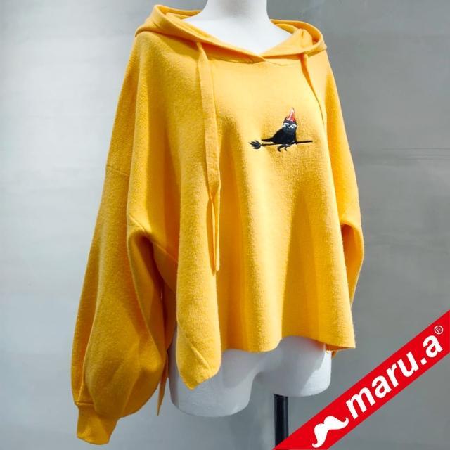 【maru.a】前短後長連帽針織上衣(深黃)