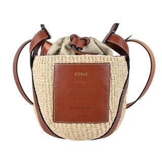 【Chloe' 蔻依】Woody 經典LOGO皮革草編束口水桶包(焦糖棕)