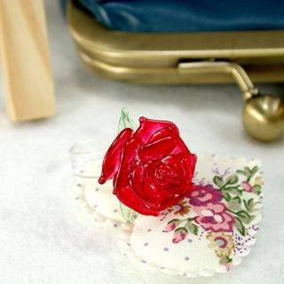 《團購任選》伊飾童話-光透玫瑰琉璃戒指(紅)