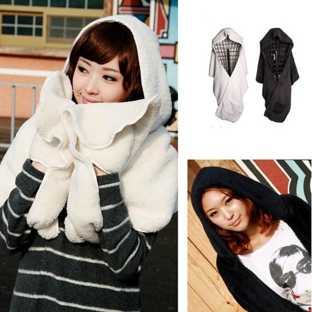 站長推薦-【Verona】多用途寬版加厚連帽絨圍巾披肩(黑色/白色)