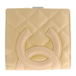 【CHANEL】經典康朋系列展示品羊皮造型扣式短夾(米/米)
