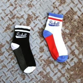 【PS Mall】韓版運動原宿風字母條紋滑板中筒襪 棉襪 2雙(J747)