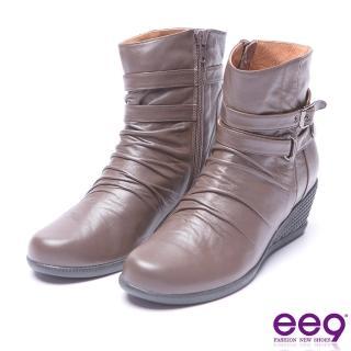 【ee9】ee9  經典手工自然抓皺金屬扣環素面楔型跟短筒靴 咖色(楔型跟短筒靴)