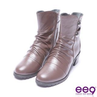 【ee9】ee9 芯滿益足自然抓皺金屬扣環素面粗跟短筒靴 咖色(粗跟短筒靴)