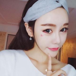 【梨花HaNA】韓國低調時尚金屬星星迷你絨布粉球