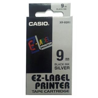 【CASIO 卡西歐】標籤機專用色帶-9mm銀底黑字(XR-9SR1)