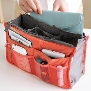 【DF Queenin】時尚OL隨身收納手提包中包(隨機2入)