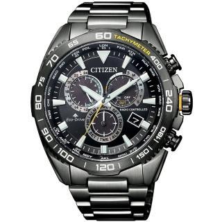 【CITIZEN 星辰】PROMASTER 光動能三眼計時萬年曆電波手錶-44.6mm/黑灰(CB5037-84E)