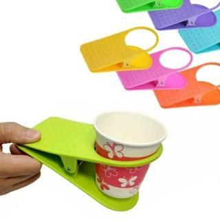 【Ainmax 艾買氏】桌邊水杯夾 桌邊水杯架 水杯架 飲料架 麻將夾(夾式杯托 防打翻飲料專用水杯架)