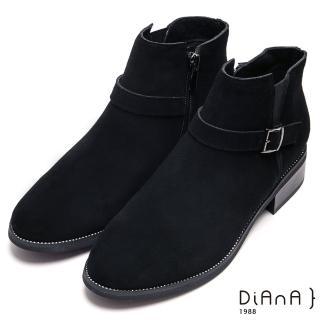 【DIANA】個性魅力繞帶釦環牛反毛皮粗跟短靴-率性時尚(黑)