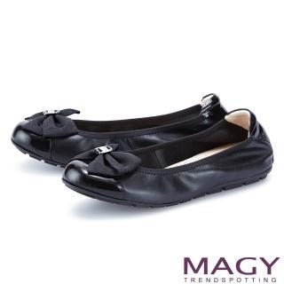 【MAGY】五金蝴蝶結鬆緊帶真皮 女 平底鞋(黑色)