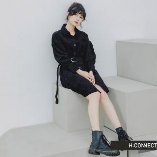 【H:CONNECT】韓國品牌 女裝 -燈芯絨排釦腰帶襯衫洋裝(黑色)