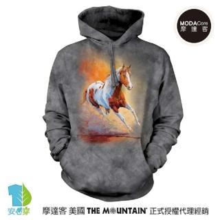 【摩達客】美國The Mountain 日落馳騁馬 環保藝術長袖連帽T恤(預購)